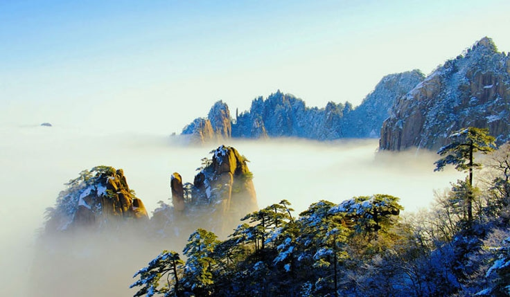Mount Huangshan Hiking Tour