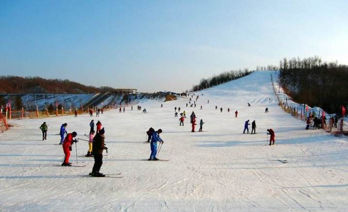 Nantian Lake International Ski Resort opens in Chongqing