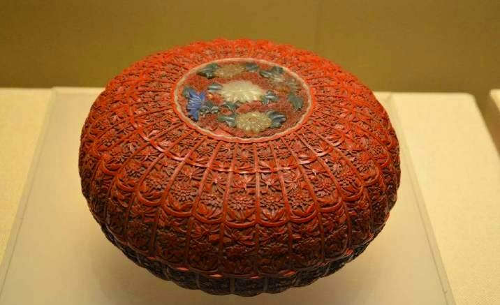 Lacquer ware exhibition opens in Shanghai Museum