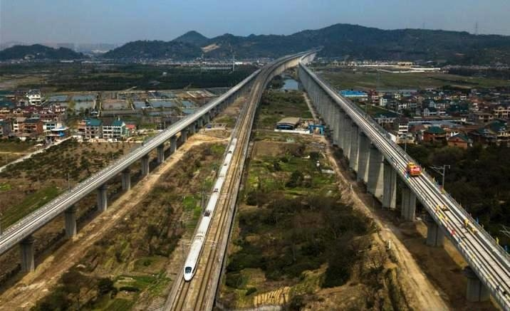 Track laying completed on new Hangzhou-Huangshan high-speed line