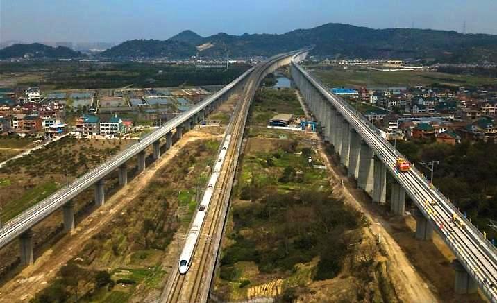 Nouvelle ligne à grande vitesse entre Hangzhou-Huangshan