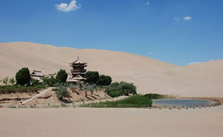 Bullet train to reach Dunhuang City soon