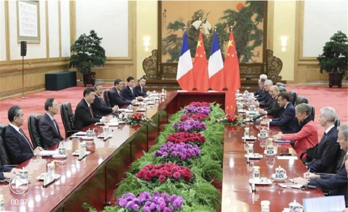 Macron en visite en Chine : plus de 15 milliards de dollars de contrats signés