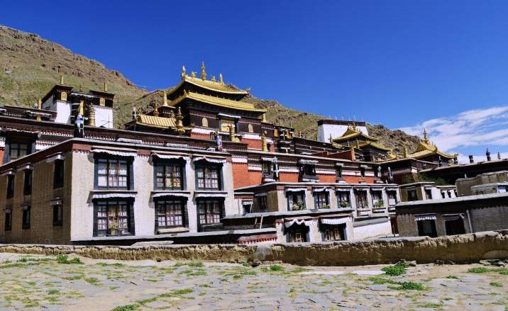 Relics from Tashilhunpo Monastery exhibited at Palace Museum