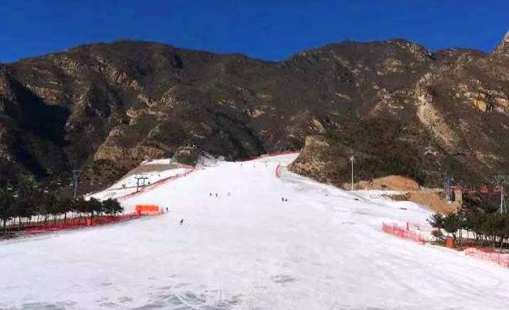 Ice and snow festival kicks off in Beijing Yangqing District