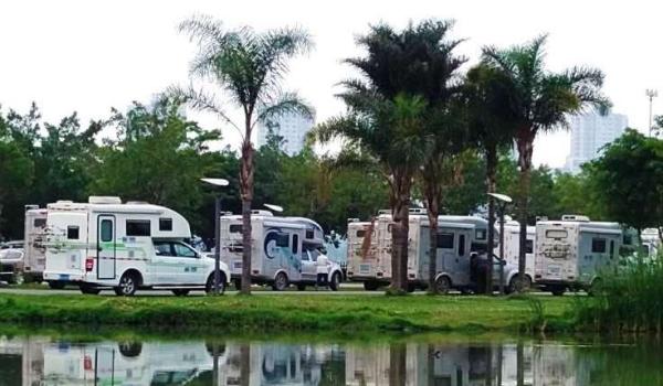 Camper Tours