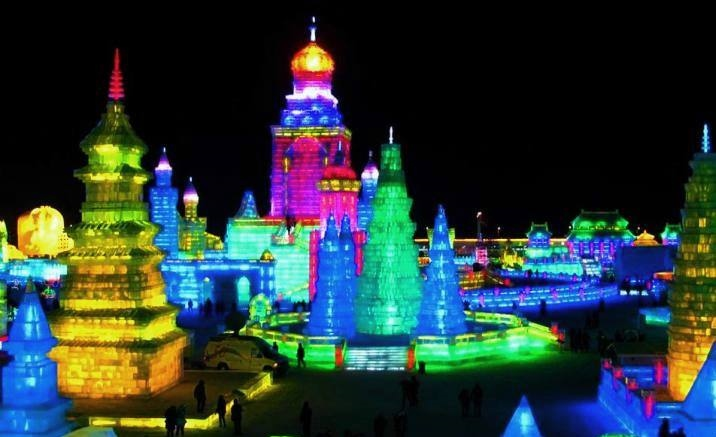 The 21st Harbin Ice-snow World opens to the public