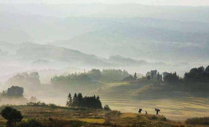 """""""Colorful Southwest China"""" Photography Exhibition opens in Chongqing"""