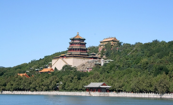 The cultural relics of Summer Palace show to the public