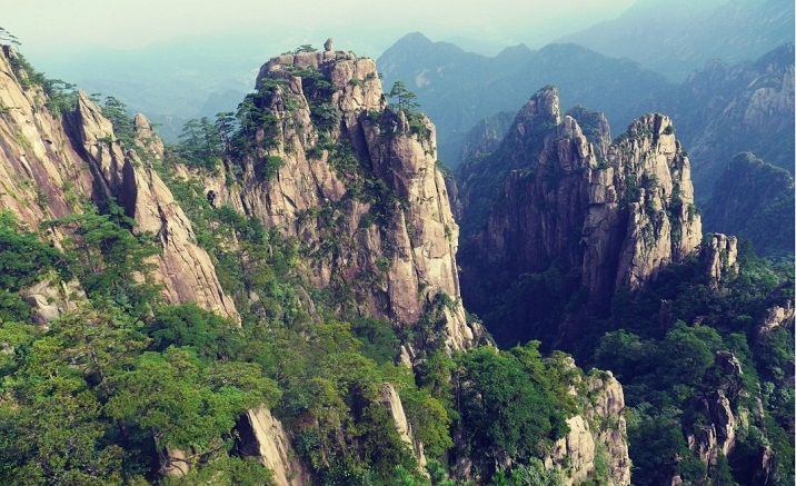 Visitors can enjoy half-price tickets at Mount Huangshan