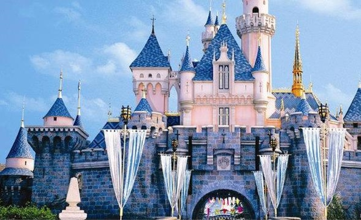 Hong Kong's Disneyland and Ocean Park reopens
