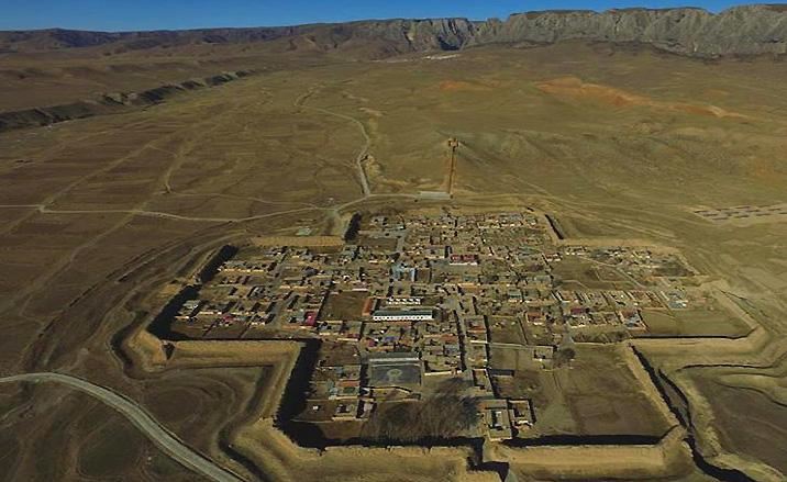 Le village Bajiao est en forme de croix vide