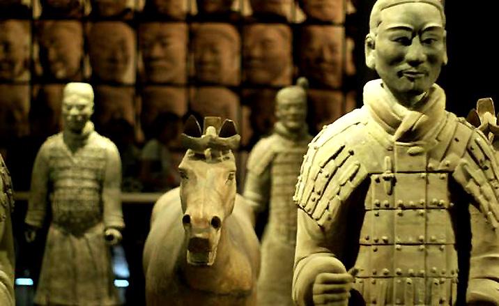La fosse de guerriers et de chevaux du mausolée de l'empereur Qinshihuang
