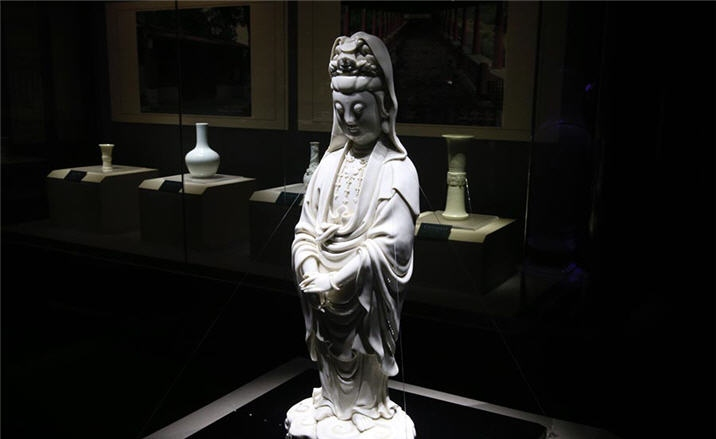 Refined white ceramics