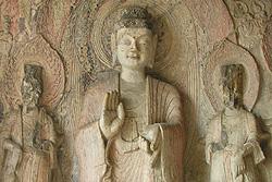 Les grottes Longmen - statues bouddhistes