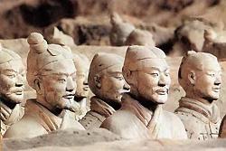 La fosse des guerriers en terre cuite du mausolée de l'empereur Qin Shihuangdi