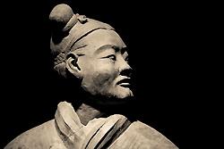 Un guerrier en terre cuite du mausolée de l'empereur Qin Shihuangdi