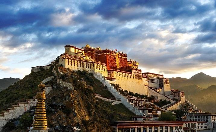 Le Palais du Potala, Lhassa, Région autonome du Tibet